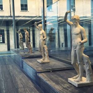 Il gioco delle copie alla Fondazione Prada
