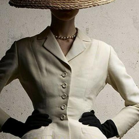 Vestire il Girl Power: breve Storia del Tailleur