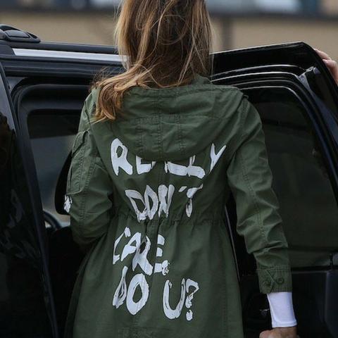 Due parole sulla giacca di Melania Trump