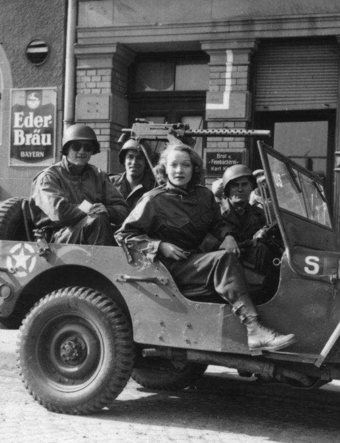 Marlene Dietrich WW2