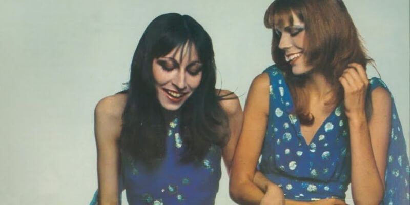 angelica houston e wallis franker in una foto di guy bordin del 1971