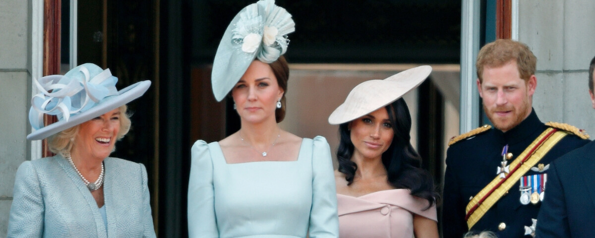 kate e meghan sul balcone di buckingham palace al tropping del colour del 2018